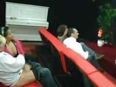 Lyngby teatre film svinger