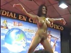 Sexy kostenlos teen striptease nackt jungfrau